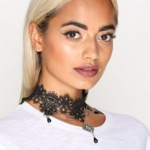 Nly Accessories Lace Drape Choker Kaulakoru Hopea