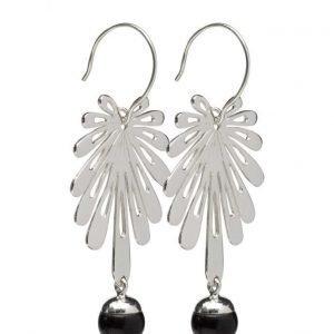 Syster P Deco Flower Earrings Silver Black Onyx korvakorut